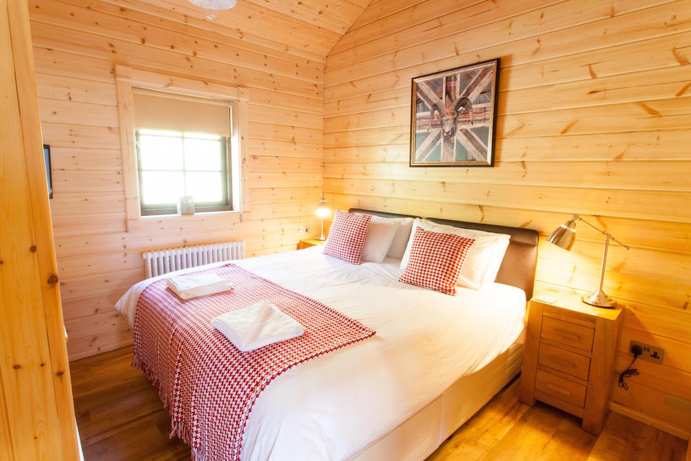 Log Cabins Double bedroom