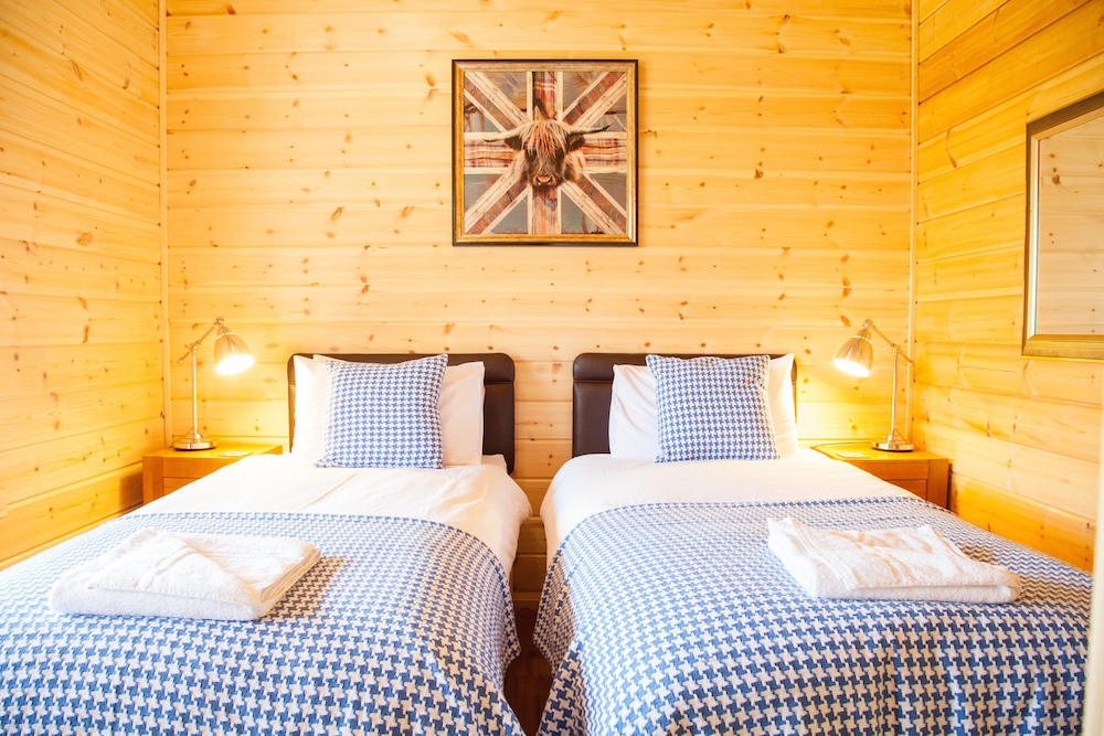 Log Cabins Twin Bedroom